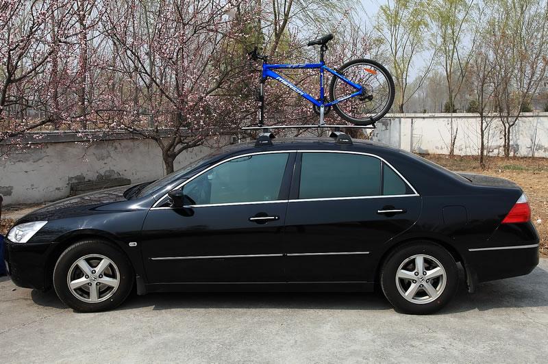 雅阁加装车顶行李架-自行车架